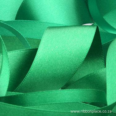 Emerald Green Sparkle Satin Ribbon – 30 meters